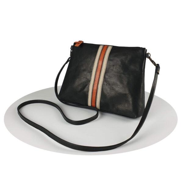 schoudertas van zwart leer met retro stripes, handgemaakt door mireille daelman